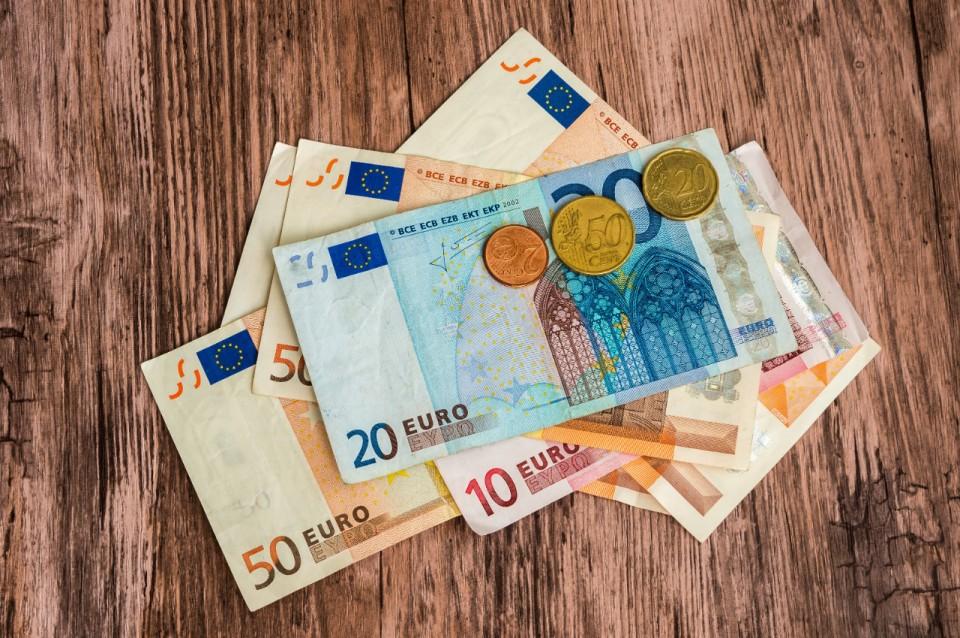 Commandez via le site de KBC Brussels vos billets et pièces en euro
