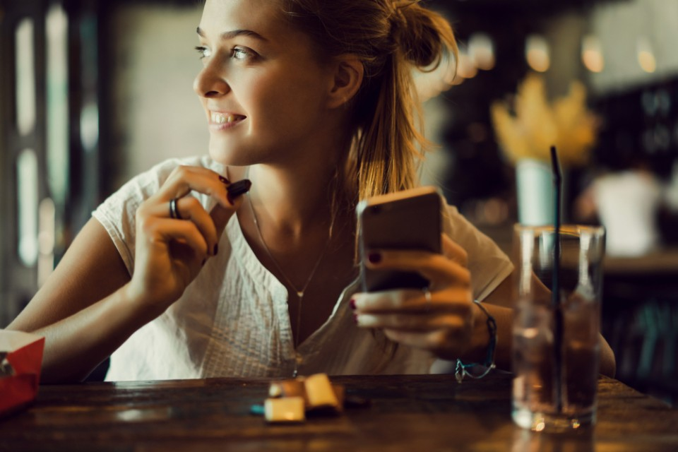 vrouw-smartphone