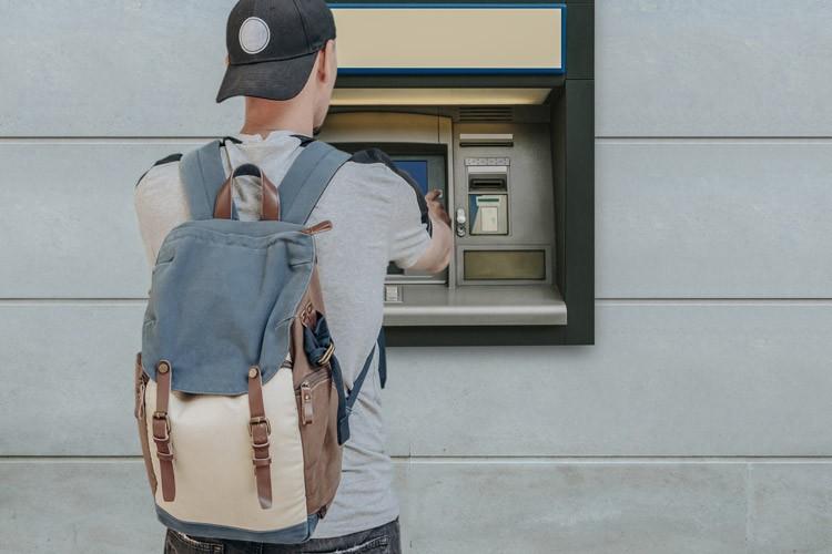 Geld afhalen aan een buitenlandse bankautomaat
