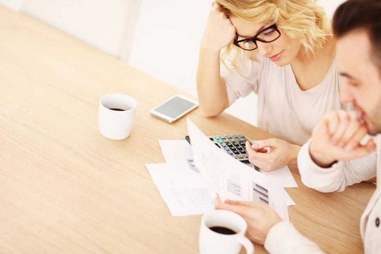 Hoeveel sparen maand regelmatige basis geld opzijzetten